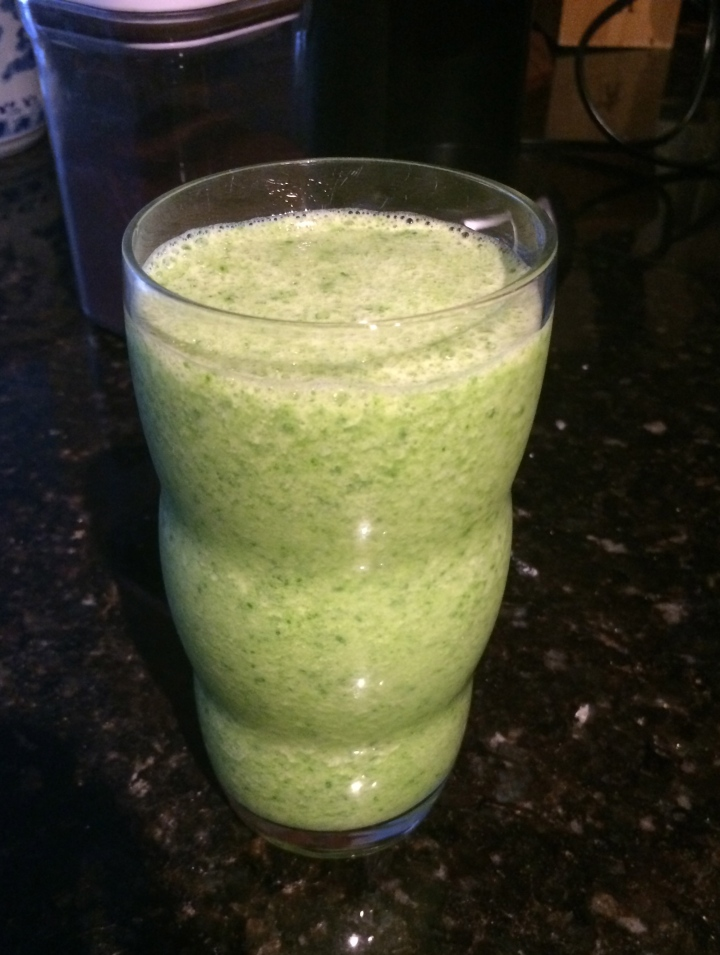 "My Version of the Whole Foods ""Kalelicious"" Smoothie"